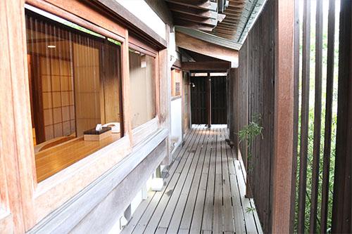 新屋山神社9